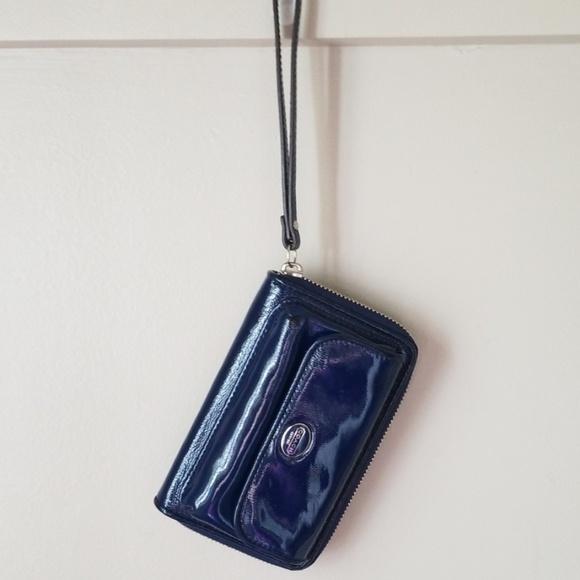 Coach Handbags - Coach patent leather wallet wristlet
